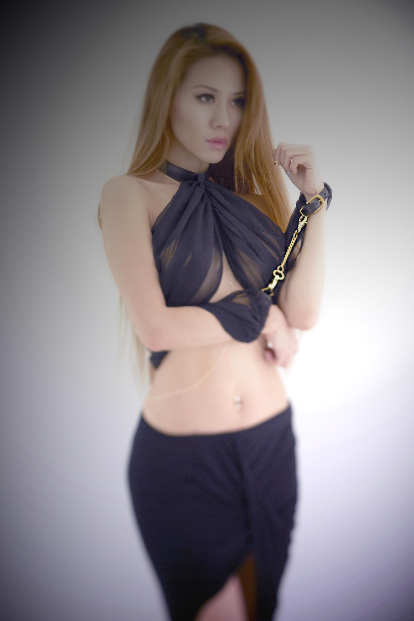 silk_scarf_restraint_handcuffs