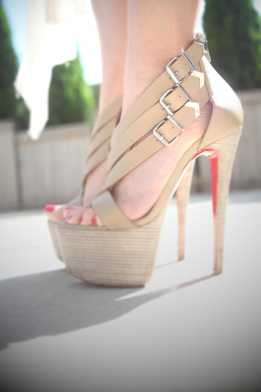 christian+louboutin+platform+sandals