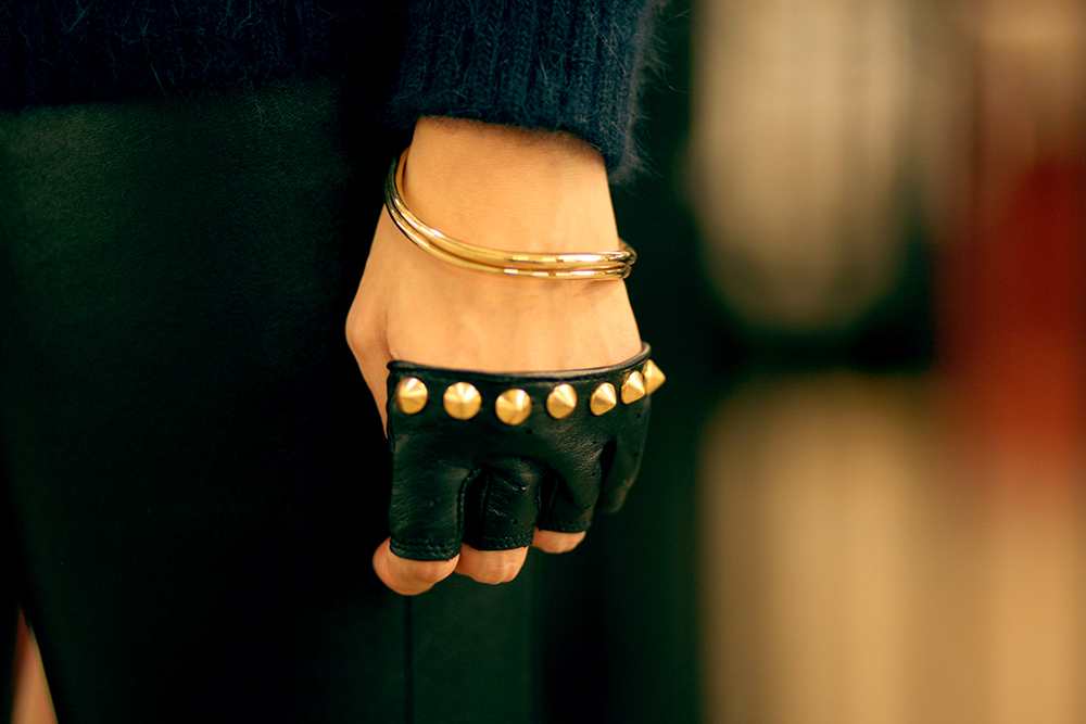 studded_fingerless_gloves